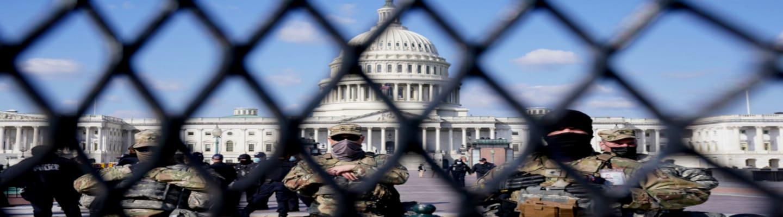 Στρατοκρατούμενη και πάλι η Ουάσιγκτον! Συρματοπλέγματα στο Καπιτώλιο (εικ)
