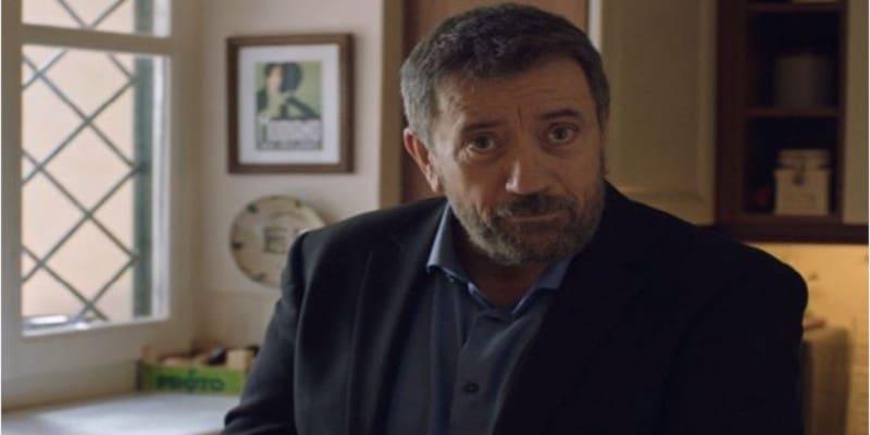 O Σπύρος Παπαδόπουλος ξεπλένει την κυβέρνηση πολύ σχολαστικά