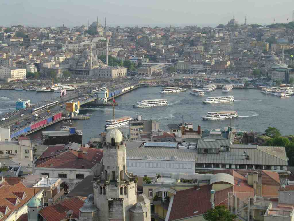 Bopshorus and Golden Horn Boat Traffic