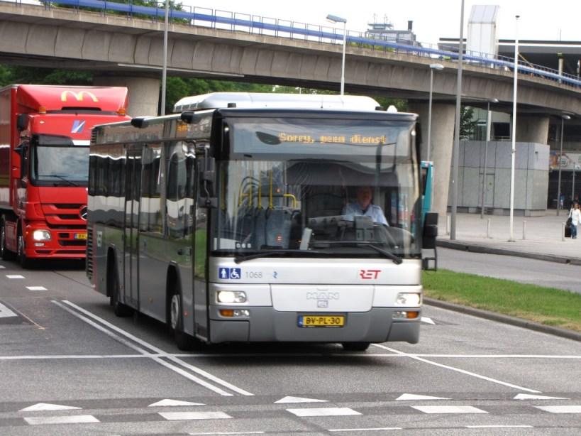 MAN Lion's City 1068 van de RET op het Zuidplein. 2013