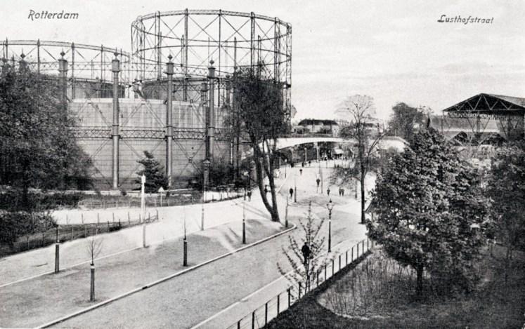 Lusthofstraat met rechts de Nieuwe Plantage, 1910