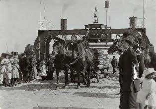 Het verstelbare dek was een uitkomst voor paard- en wagen.