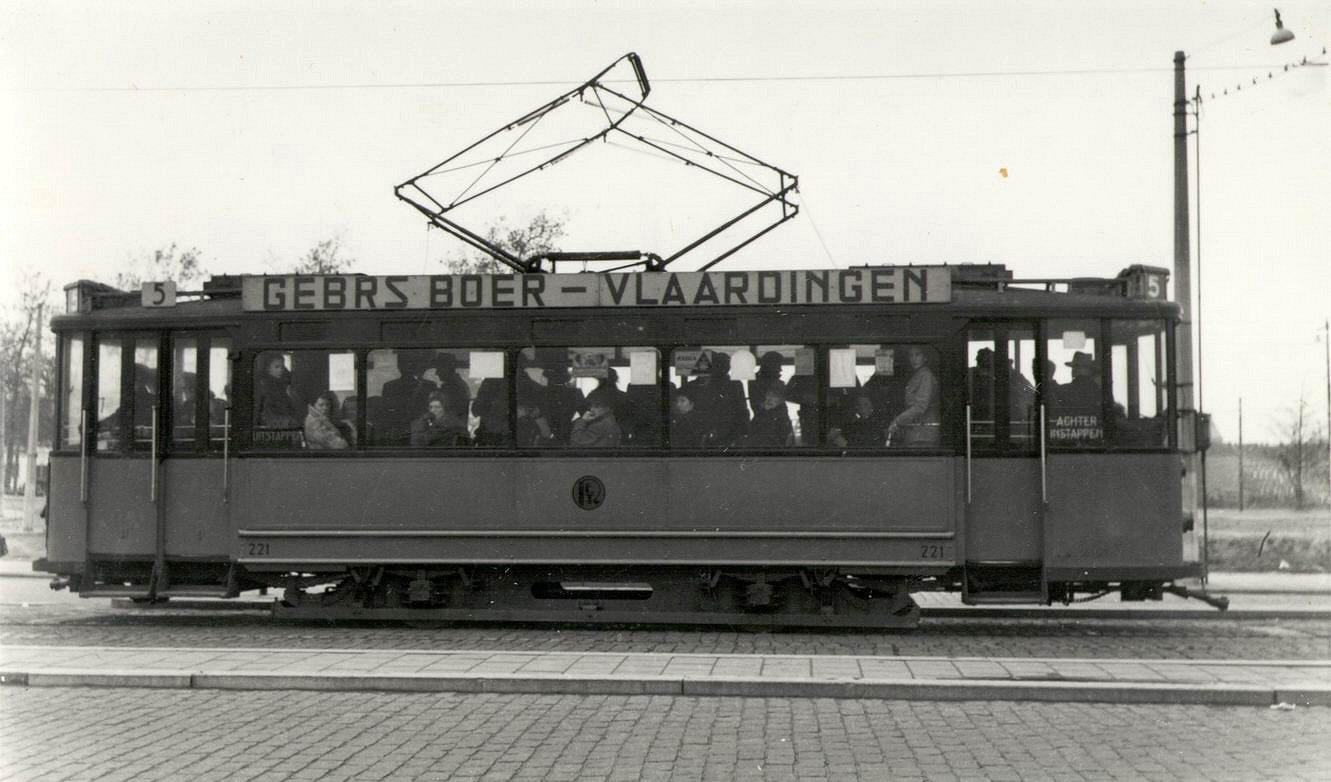 motorrijtuig 221, lijn 5, Kruisplein, 1-11-1946
