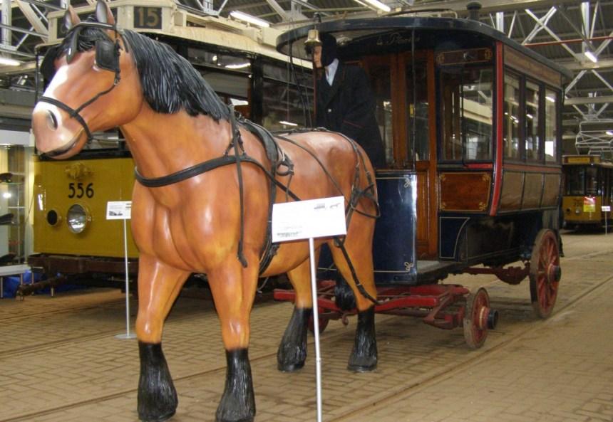 Nu te bewonderen in de oude tramremise Hillegersberg aan de Kootsekade.
