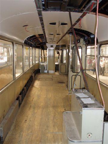 De 15 wordt gerenoveerd, rechts de conducteursplaats