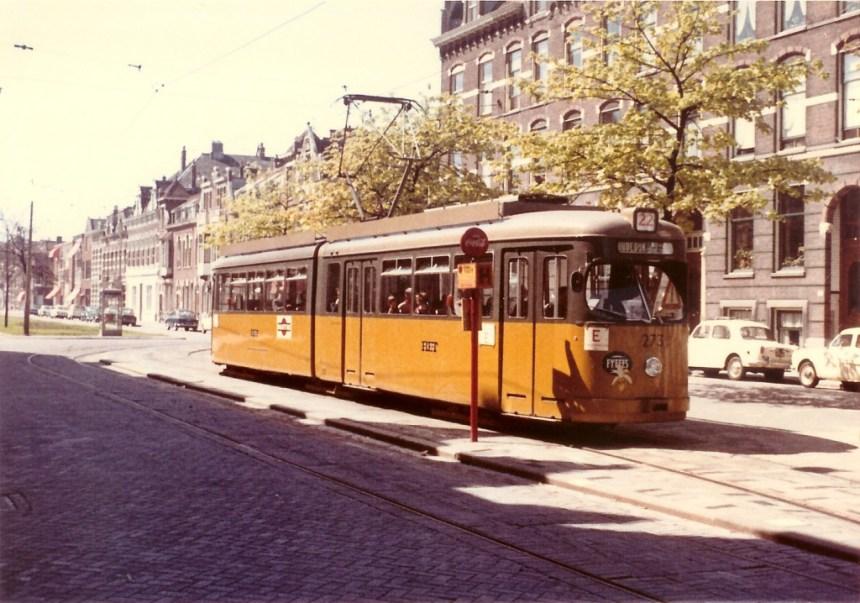 De Düwag 273 op de Avenue Concordia als eenmansbediening rijtuig, 1966