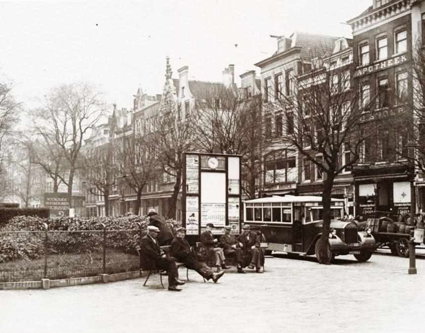 Grotemarkt, 1930, een bus van de RTM richting Poortugaal.