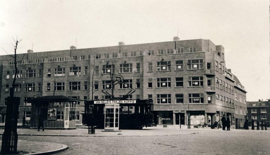 Wachthuisje Schieweg, noordzijde Abraham Kuyperlaan, 1933, (foto: H. Solle)