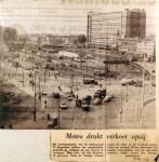 19611009 Metro drukt verkeer opzij