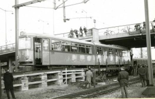 Aankomst Düwag motorrijtuig 351, 4-12-1964, CW Kleiweg, (foto: B. Mees)