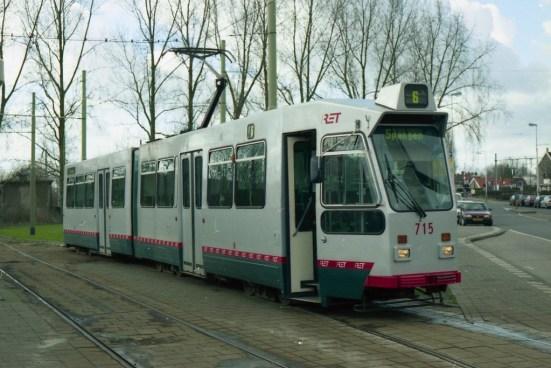 Motorrijtuig 715, lijn 6, Kleiweg, met de speciale rode band, 20-2-2000 (foto: C. Scholte)