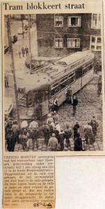 19690225 Tram blokkeert straat