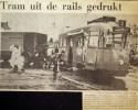 19730123 Tram uit de rails.