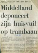 19730507 Huisvuil op trambaan.