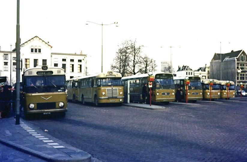 Busstation Rochussenstraat, 1966 (verz. Carel Scholte)