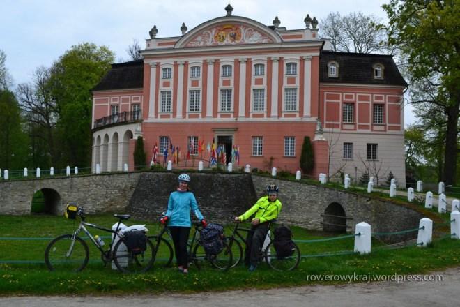 Pałac Popielów w Kurozwękach