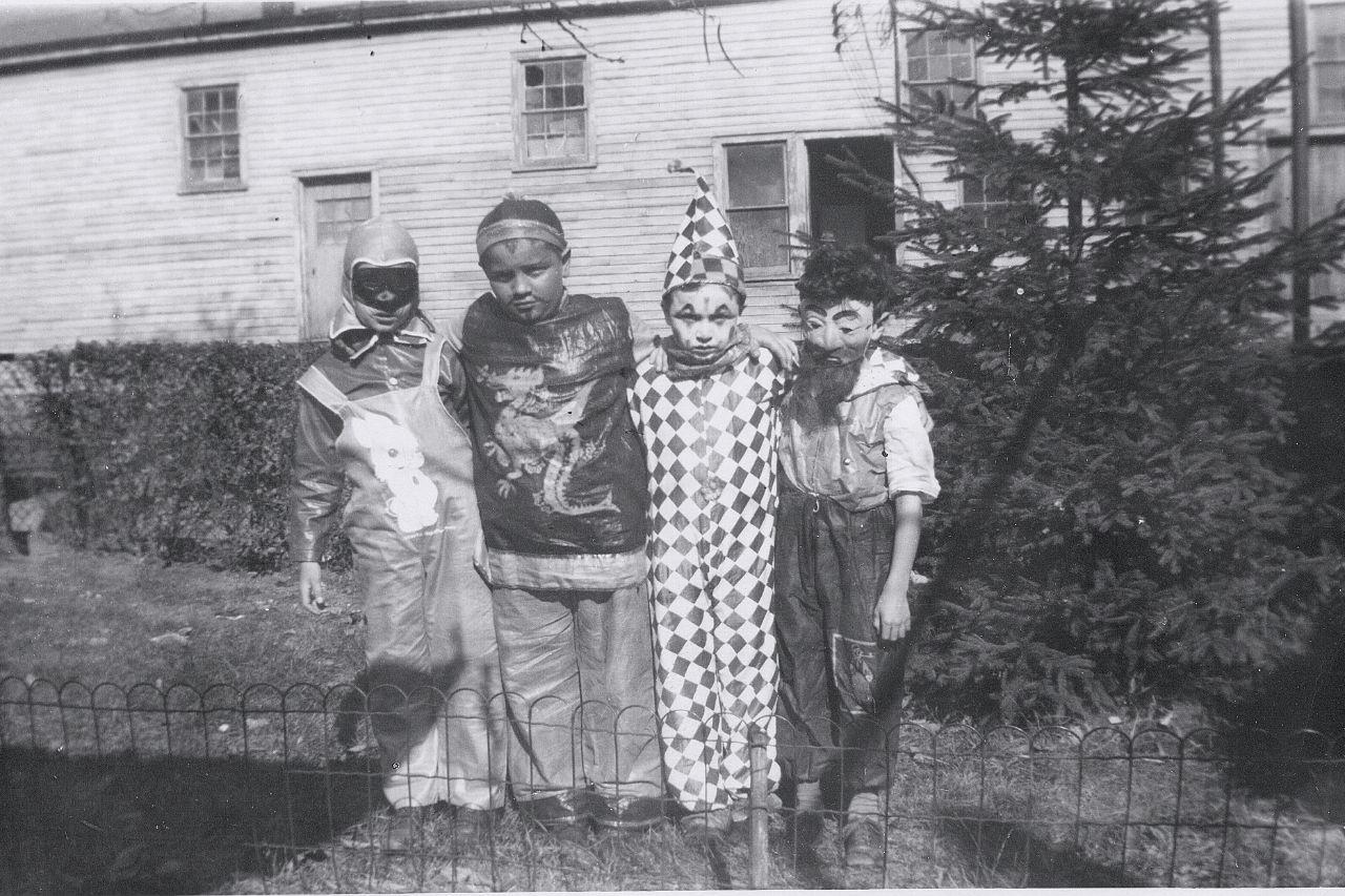 Creepy Vintage Halloween Photos 122 Pics Part 3
