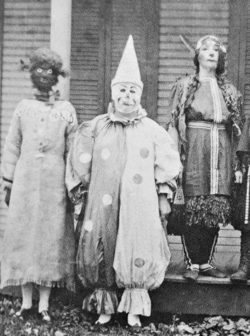 creepy vintage halloween photos - scary kids costumes - clownCreepy Vintage Photography