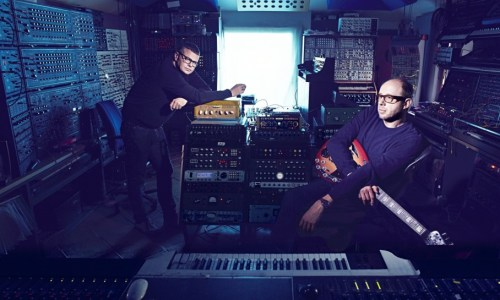 the-chemical-brothers-009-908x545