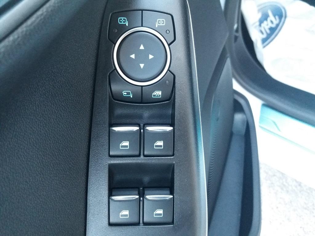 Ford Fiesta Vignale 1.5 TDCi 85 cv 5p (36)