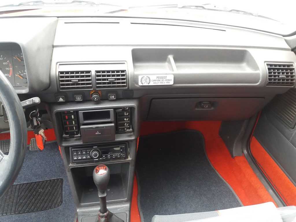 Peugeot 205 1.9 GTI 130 cv (10)