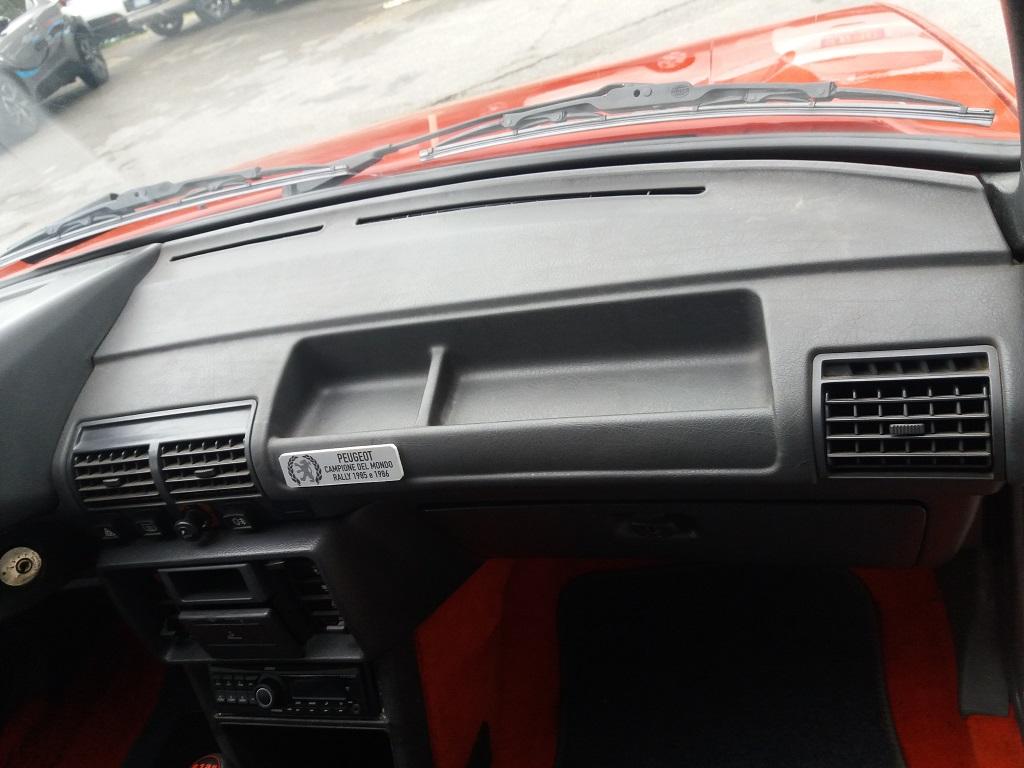 Peugeot 205 1.9 GTI 130 cv (31)