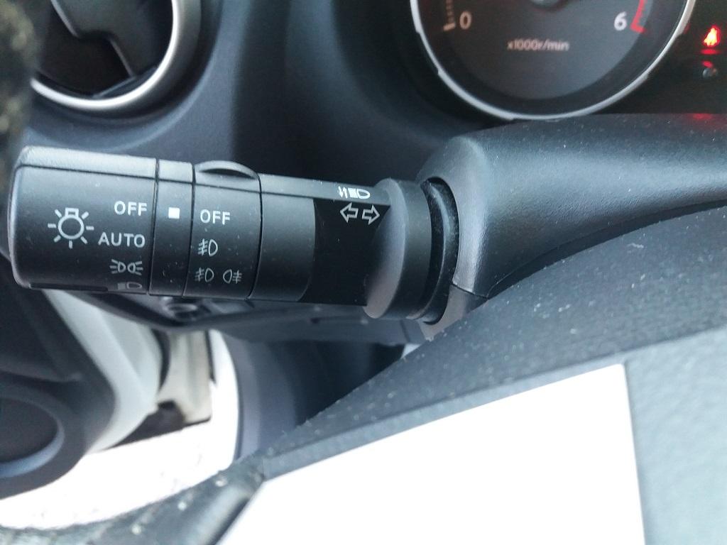 Nissan Qashqai 2.0 dCi DPF Acenta (24)