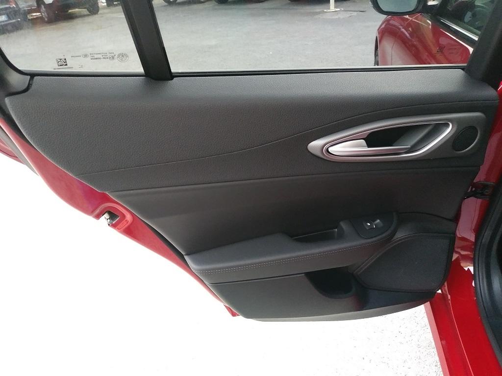 Alfa Romeo Giulia 2.2 Turbo Diesel 180 cv AT8 Super Sport Edition (18)