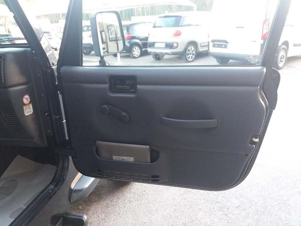 Jeep Wrangler TJ 4.0 Sport (16)