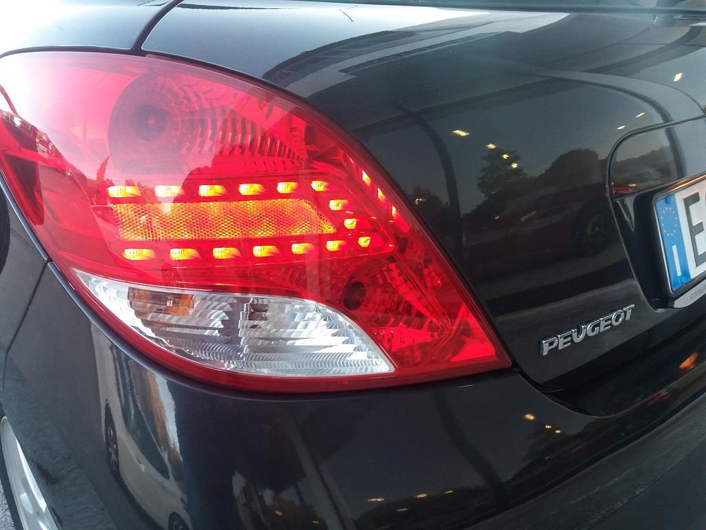 Peugeot 207 1.4 HDi 70 cv 3p Energie Sport (25)