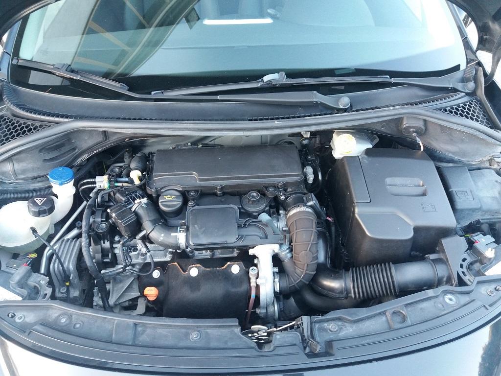 Peugeot 207 1.4 HDi 70 cv 3p Energie Sport (28)
