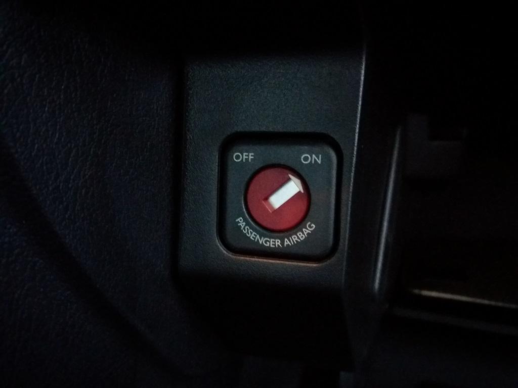 Peugeot 207 1.4 HDi 70 cv 3p Energie Sport (31)