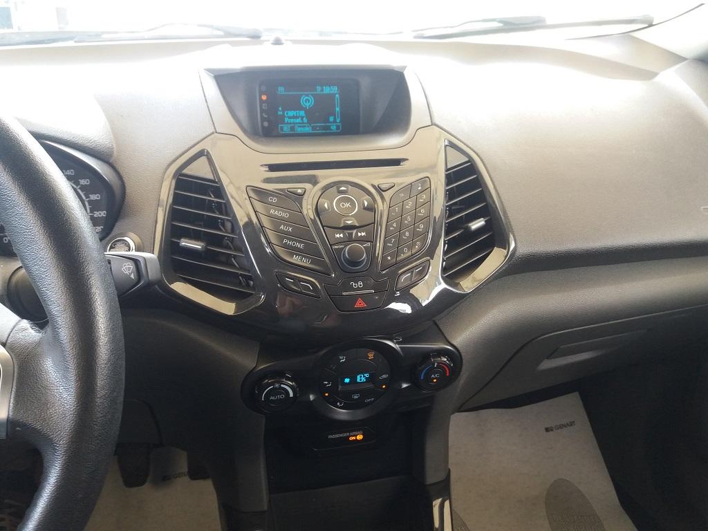 Ford EcoSport 1.5 TDCi 90 cv Titanium (44)
