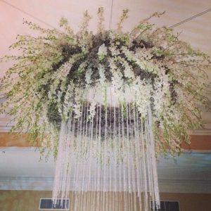 decoracion eventos de lujo Arreglos Florales Colgantes para eventos y bodas