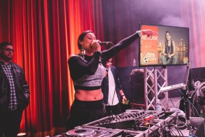 DJ LaLa live in Chicago at the Latinos Unidos Tour_presented by Royal Heir Entertainment_photo by Enkrypt Los Angeles