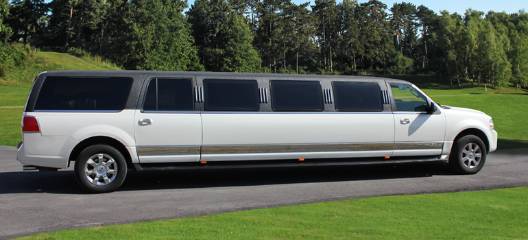 Tuxedo Lincoln Navigator Side View
