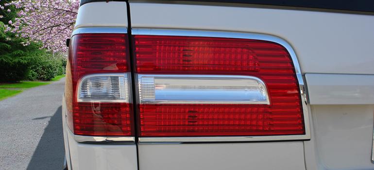 Tuxedo Lincoln Navigator Tail Light