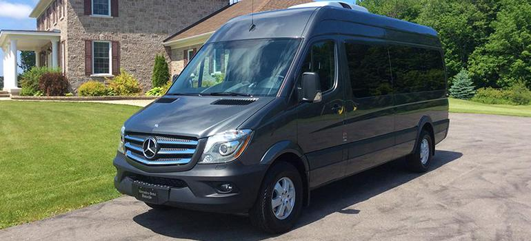 Mercedes Sprinter Slideshow - front driver side vew