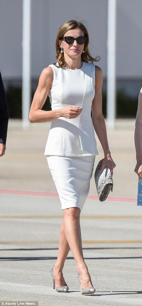 letizia leaving spain
