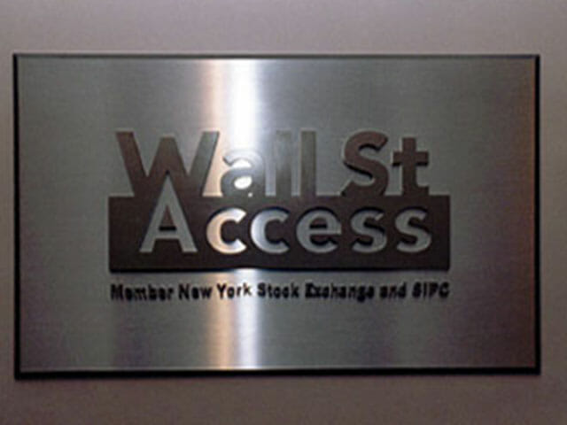 plaque-wall-street-access