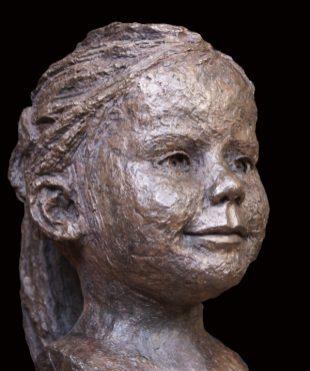 portret brons meisje van 6 jaar