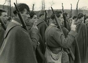 Malestroit (Francja), 10 kwietnia 1940. Przysięga żołnierzy Samodzielnej Brygady Strzelców Podhalańskich.
