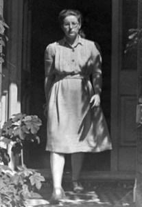 """Magda Rusinek na zdjęciu z 1948 roku. Fotografia z książki """"Wojenne dziewczyny"""""""