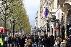 champs-elysees-shops