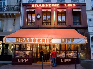 Brasserie-Lipp-Paris-Alamy
