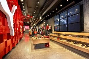 puma-soho-store-by-colkitt--co-and-plajer--franz-new-york-1369831652-5