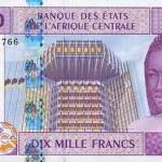 Un billet de 10 000 franc CFA