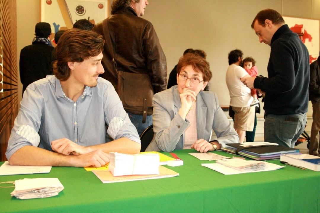 Les accesseurs lors de la présidentielle à la mairie d'Arcueil