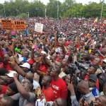 Image de grand rassemblement des maliens contre le référendum constitutionnelle
