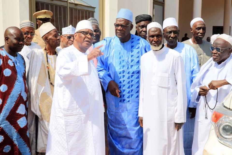 Le président IBK en coompagnie de la délégation des familles fondatrices de Bamako